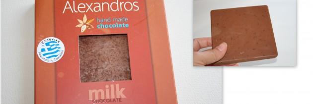 """Σοκολάτα γάλακτος με μήλο και κανέλα """"Alexandros"""""""